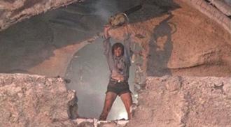 The Texas Chainsaw Massacre 2 (Tobe Hooper, 1986)